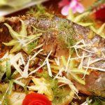 Cá chép giòn om dưa siêu ngon ngày mưa lạnh