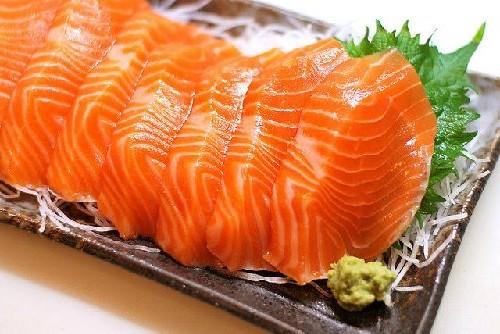Cá hồi chứa nhiều dinh dưỡng tốt cho cơ thể