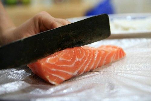cá hồi cắt khúc