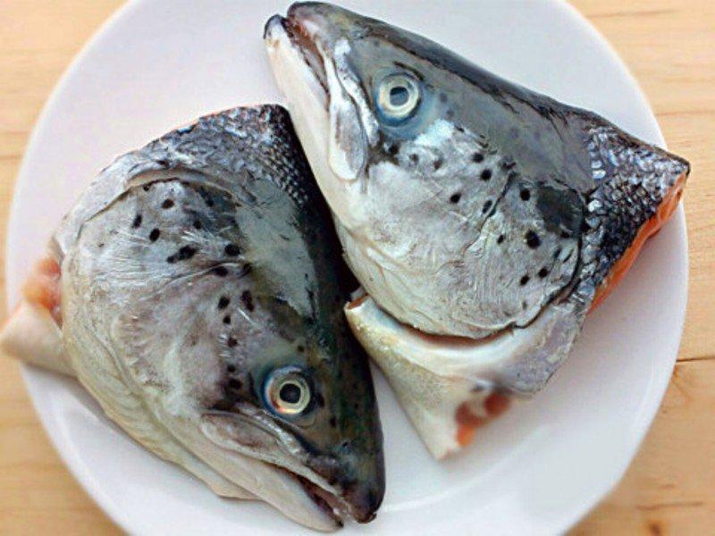 đầu cá hồi tươi