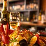 Ăn hải sản uống gì tốt cho sức khỏe, tránh bị ngộ độc?